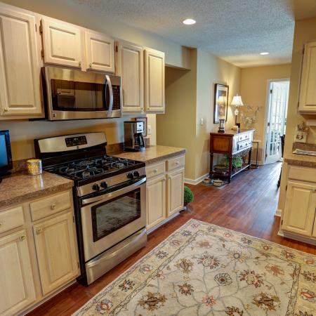 Beautiful Upgraded Kitchen at Apartment Rentals Williamsville NY | StoneGate Apartment Homes