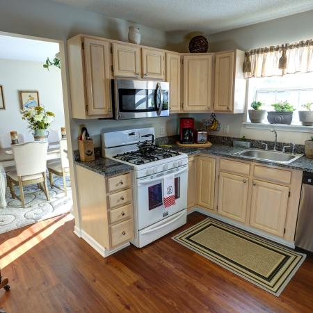 Gorgeous Kitchens at Williamsville Apartments | StoneGate Apartment Homes