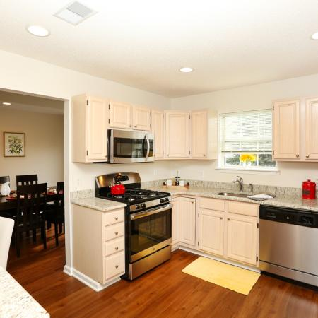 Granite Kitchen Counters | Williamsville New York Apartments | StoneGate Apartment Homes