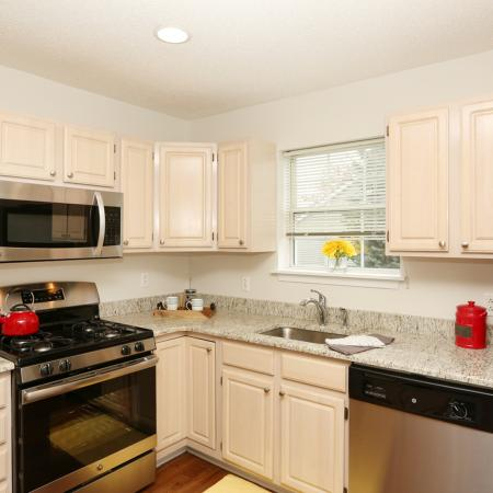 Vast Kitchen | Williamsville New York Apartments | StoneGate Apartment Homes