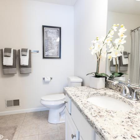 Autumn Creek apartments | beautiful bathrooms