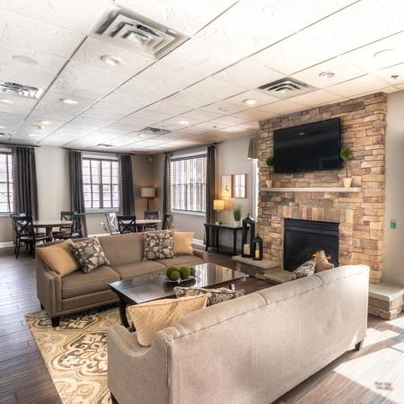 Resident Lounge | Autumn Creek Apartments