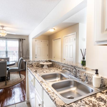 State-of-the-Art Kitchen | Luxury Apartments Amherst Ny | Autumn Creek Apartments