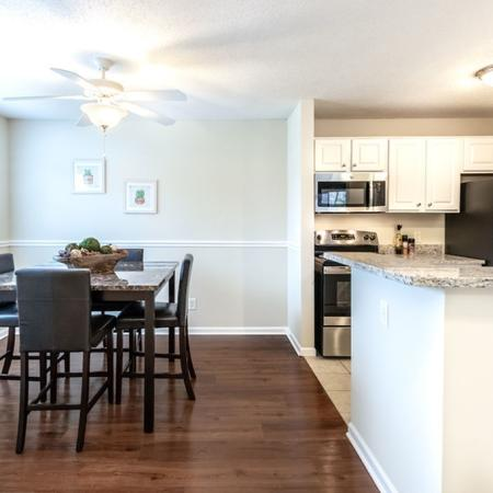 Dining Space| Autumn Creek Apartments