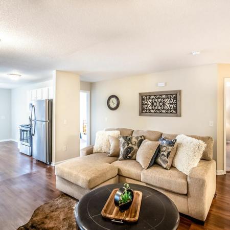 Spacious Living Area | Buffalo Luxury Apartments | Autumn Creek Apartments