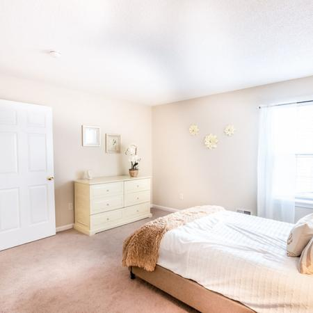 Luxurious Bedroom | Luxury Apartments Buffalo | Autumn Creek Apartments