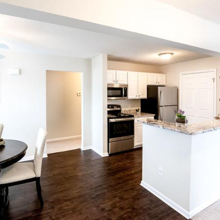 Luxurious Kitchen, Dining Area | Apartment Homes in East Amherst, NY | Autumn Creek Apartments