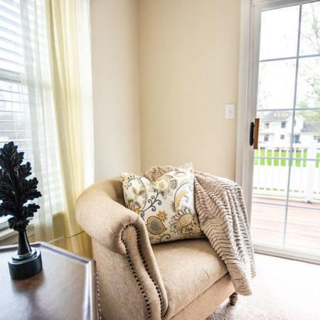 Apartment Homes in East Amherst, NY | Autumn Creek Apartments
