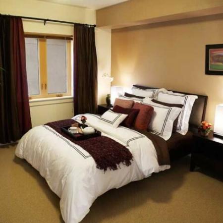 Elegant Master Bedroom | Apartments Eugene OR | Crescent Village East
