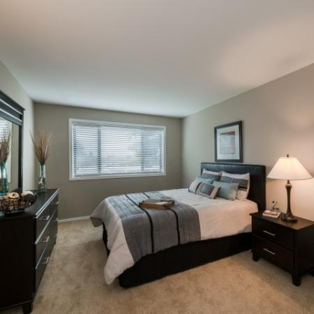 Luxurious Bedroom   Luxury Apartments In Silver Spring MD   Rollingwood