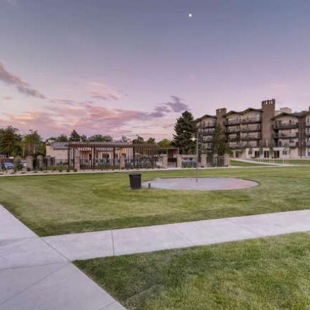 Apartment in Denver, CO | The Lodge Apartment Homes
