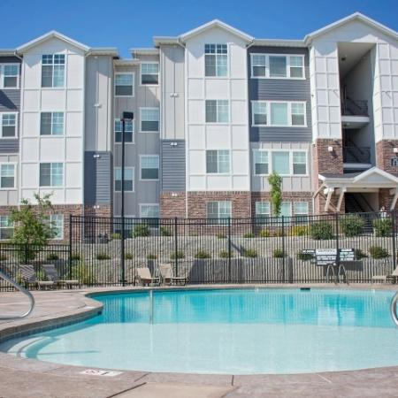 Community Swimming Pool | Apartments For Rent Sandy Utah | Rockledge at Quarry Bend