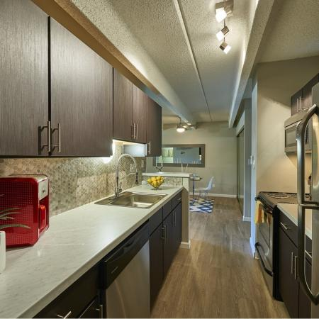 State-of-the-Art Kitchen | Denver CO Apartment Homes | Woodstream Village Apartments