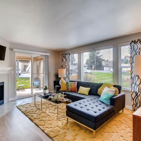 Spacious Living Room | Apartments in Tualatin, OR | Rivercrest Meadows Apartments
