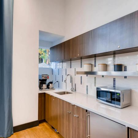 Resident Coffee Bar | Apartments in Tualatin, OR | Rivercrest Meadows Apartments