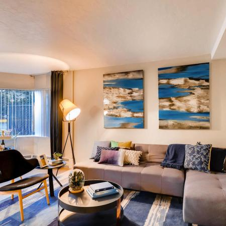 Luxurious Living Room | Portland Oregon Apartments for Rent | Park Plaza