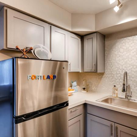 Elegant Kitchen | Apartments in Portland | Park Plaza