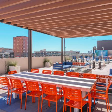 Resident Sundeck | Apartments In Houston | Houston House