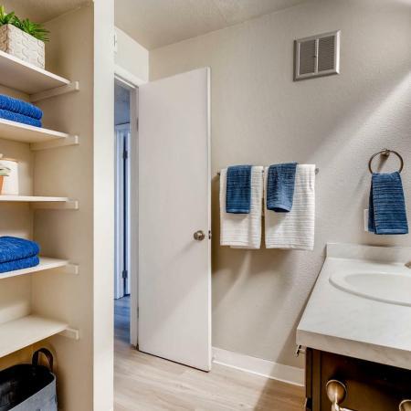 Spacious Bathroom | Farmgate Apartments | Copperwood Apartments