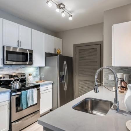 Spacious Kitchen | Apartments Richmond TX | Deseo at Grand Mission