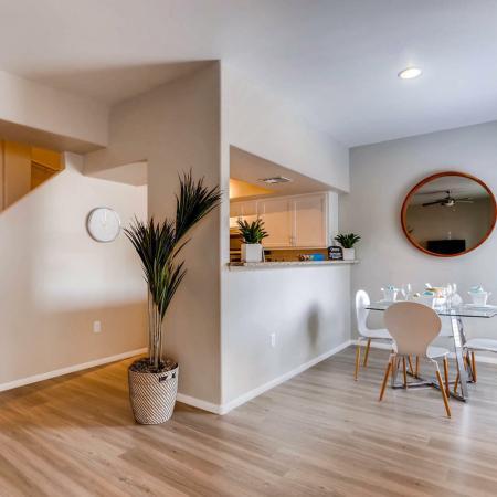 Spacious Living Room | Ahwatukee Foothills Apartments | Verano Townhomes