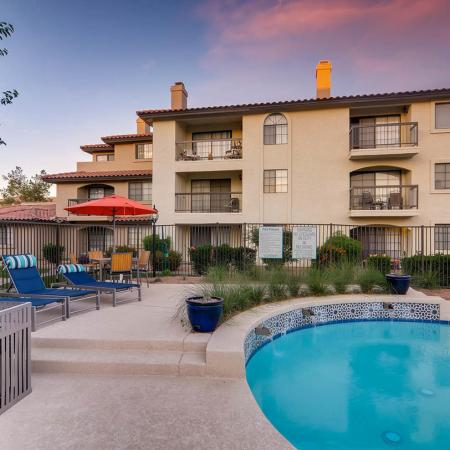Swimming Pool | Apartment Homes in Scottsdale, AZ | Chazal Scottsdale