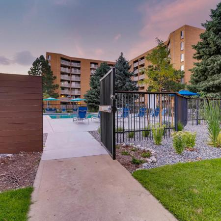 Denver CO Apartment Homes | Woodstream Village Apartments