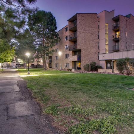 Lakewood Apartments | Lakeview Towers At Belmar