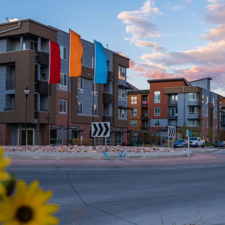 West Jordan Utah Apartments | Novi at Jordan Valley Station