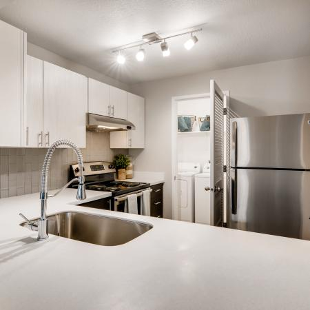 Elegant Kitchen | Apartments in Tualatin, OR | Rivercrest Meadows Apartments