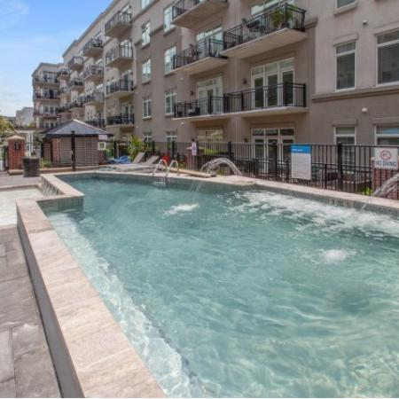 1000 Jefferson Street Apartments|Pool
