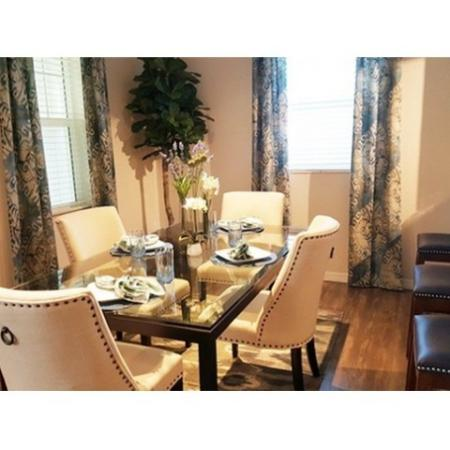 Residents Eating in the Dining Room | Wellington Florida Apartments | The Quaye at Wellington