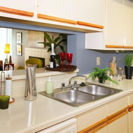 State-of-the-Art Kitchen | Apartment Kennesaw GA | Greenhouse Apartments
