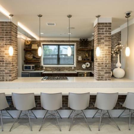 Studio Apartments In Phoenix | Leasing Office