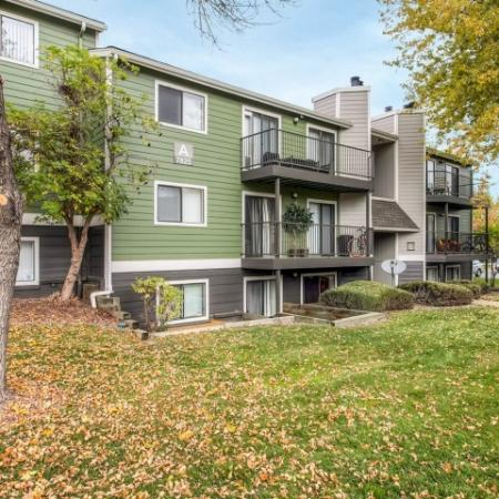 Arvada Village Apartments | The Ridge at Mountain View