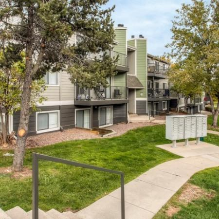 Arvada Village Apartments 1 | The Ridge at Mountain View