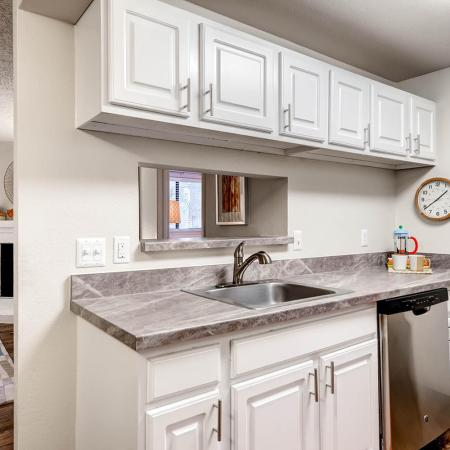 Elegant Kitchen | Apartments In Littleton CO | Terra Vista at the Park