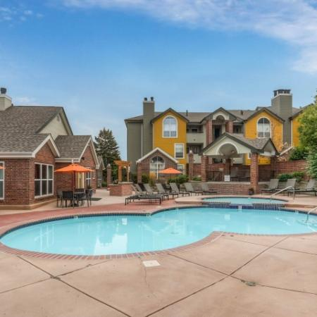 Sparkling Pool | Apartments Northglenn Colorado | Keystone Apartments 1