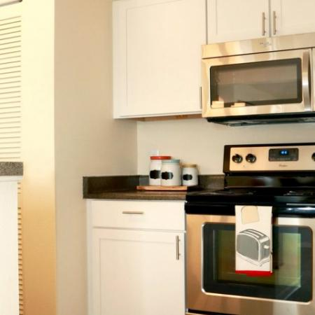 Modern Kitchen | Apartments In Northglenn Colorado | Keystone Apartments