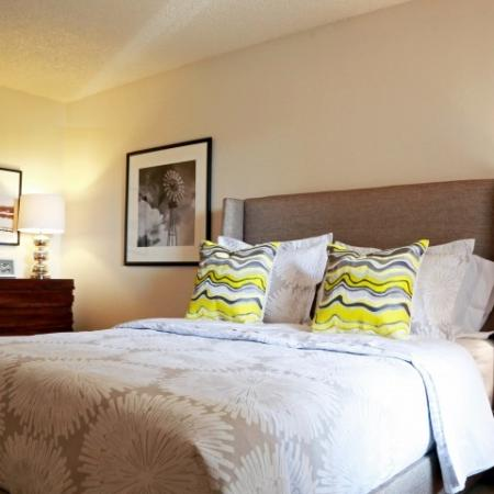 Elegant Bedroom | Apartments In Northglenn Colorado | Keystone Apartments