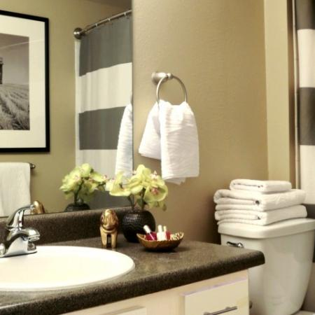 Elegant Bathroom | Apartments For Rent In Northglenn Colorado | Keystone Apartments