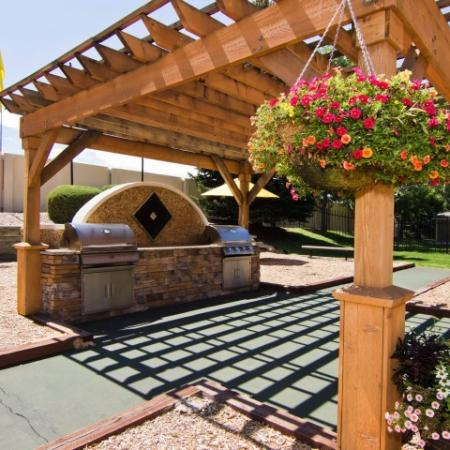 Community BBQ Grills | Apartments In Denver | Summitt Ridge