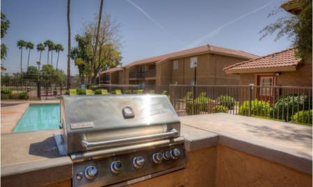 Sparkling Pool | One Bedroom Apartments In Tempe | 505 West