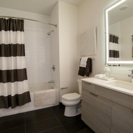 Elegant Master Bathroom | Apartment In Somerville MA | Montaje