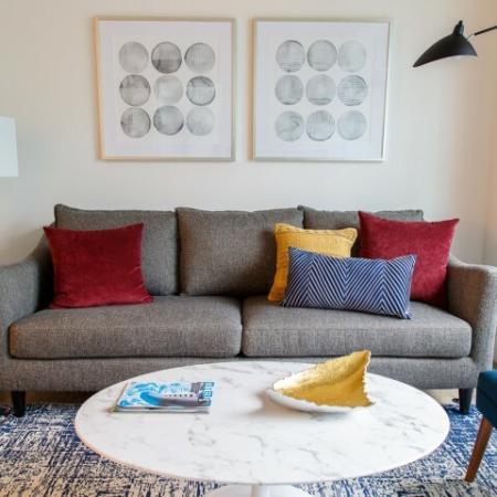Spacious Living Area | Somerville Apartment | Montaje