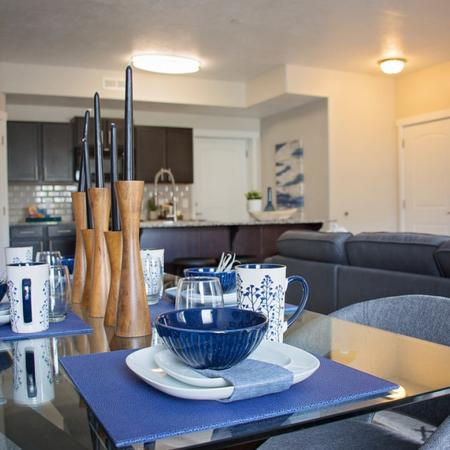 Spacious Dining Area| Apartment in West Valley City, UT | Sandalwood Apartments