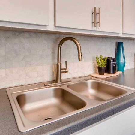 Luxurious Kitchen | Apartment Homes in Scottsdale, AZ | The Glen at Old Town Apartments