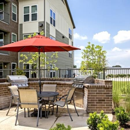 Community BBQ Grills | Apartments In Lake Charles | Watervue