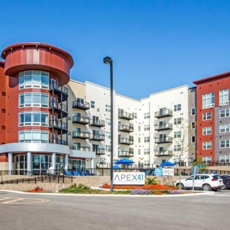 Lombard Illinois Apartments for Rent | Apex 41