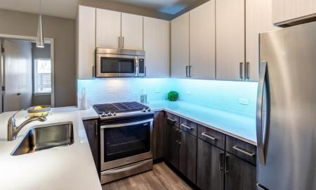Elegant Kitchen | Apartments in Lombard | Apex 41